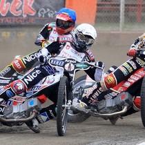 Wyścigu IV - Adrian Miedziński (biały) przed Krzysztofem Jabłońskim (czerwony) i Wiesławem Jagusiem (niebieski)