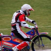 Denis Gizatullin wyjeżdża do wyścigu III...
