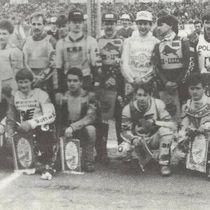"""Uczestnicy X Kryterium Asów - zdjęcie z magazynu """"Speedway Rewia"""""""