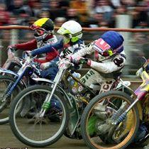 Wyścig XXI - Robert Sawina (kask czerwony), Eugeniusz Skupień (kas niebieski), Tomasz Gollob (kask biały) i Jacek Krzyżaniak (kask żółty)