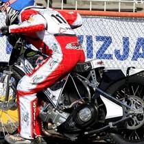 Krzysztof Buczkowski wykonuje próbny start przed wyścigiem III