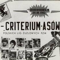 Pamiątkowa pocztówka reklamująca I Kryterium Asów (wg pisowni używanej w latach 50-tych do zawodów będących prekursorem współczesnych turniejów KAPLŻ)