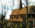Kościół na terenie cmentarza