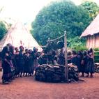 Indonezja - odwiedzaliśmy dzikie plemiona