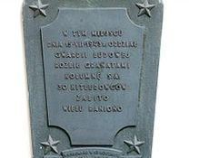 Al. Ujazdowskie 6a - tablica upamiętniająca akcję GL w lipcu 1943 r.