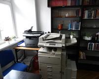Do dyspozycji 4 stanowiska komputerowe, drukarka i ksero