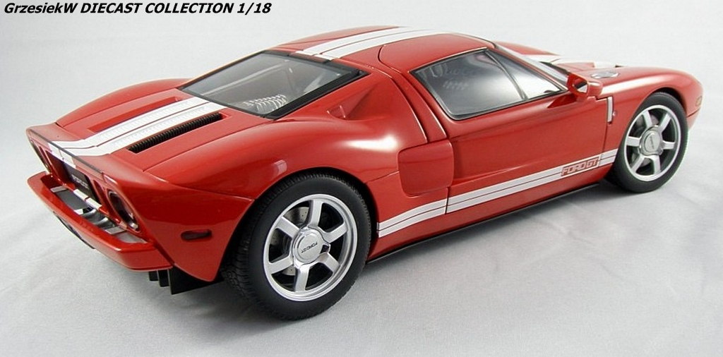 Ford Gt 2004 Red Autoart No 73021 Diecast Collection