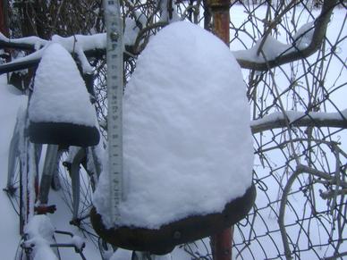 Marcowe śnieżyce w Dęblinie (16.03.2013r.)