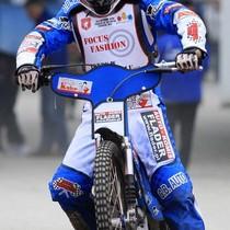 Krzysztof Buczkowski wyjeżdża do wyścigu VI