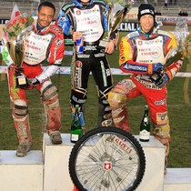 Podium zwycięzców - Antonio Lindbäck (miejsce II), Emil Sajfutdinow (miejsce I) i Magnus Zetterström (miejsce III)