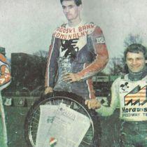 Podium zwycięzców - Jan Krzystyniak (II miejsce), Tomasz Gollob (I miejsce) i Andrzej Huszcza (III miejsce)