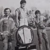 Podium zwycięzców (2 ujęcie) - Eugeniusz Błaszak (II miejsce), Wojciech Żabiałowicz (I miejsce) i Ryszard Dołomisiewicz (III miejsce)