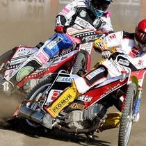 Wyścig VIII - Maciej Janowski (biały) za Tomaszem Jędrzejakiem (czerwony)