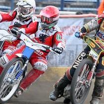 Wyścig XX - o podium walczą: Krzysztof Buczkowski (biały), Robert Kościecha (czerwony) i Przemysław Pawlicki (niebieski)
