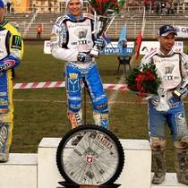 Podium zawodów - Tomasz Gollob (II miejsce), Emil Sajfutdinow (I miejsce), Nicki Pedersen (III miejsce)