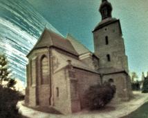 Gniezno. Kościół pw. Świętej Trójcy. Półwalec, kodak, rok.