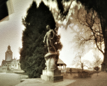 Zamek Czocha, plac przed wejściem na most.
