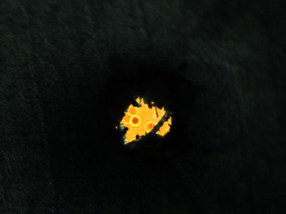 Dziura wygładzona 1. Powiększenie 100x