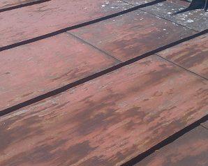 Farba na dach Jotun Conseal.Dach przed renowacją.