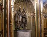 Posągi Mieszka I i Bolesława Chrobrego w Złotej Kaplicy Katedry Paznańskiej