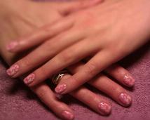 Manicure hybrydowy - stylizacja ślubna