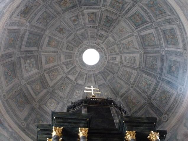 Kopuła kaplicy Grobu Bozego.