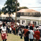 Karaiby - pochód 1-majowy na St. Kitts and Navis
