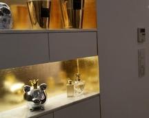 Ściana wnękowa pozłacana ręcznie szlagmetalem /imitacja złota/