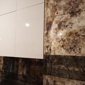 Lustra postarzane  Kuchnia /2,80 cm, 2,50 cm i 1,70 x 60 cm/ odcienie: brązy, czern, złoto, srebro, błękity + mocne przypalenia i wykwity- Żoliborz Warszawa 2019