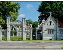 Brama wjazdowa wraz z kordegardą pałacu Zamoyskich w Jabłoniu