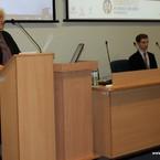 Dyrektor Instytutu Neofilologii wraz z przewodniczącym Koła Psycholingwistów