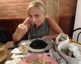 Spaghetti al nero di seppia, czyli czarne spaghetti barwione atramentem z kałamarnicy