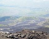 Etna - w oddali serpentyny, można nia nich poszaleć