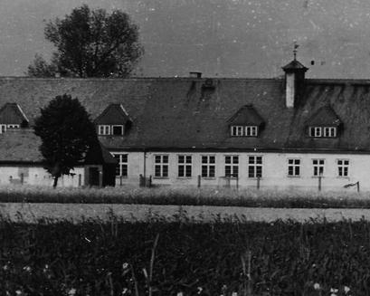 Szkoła- widok od Lubczy