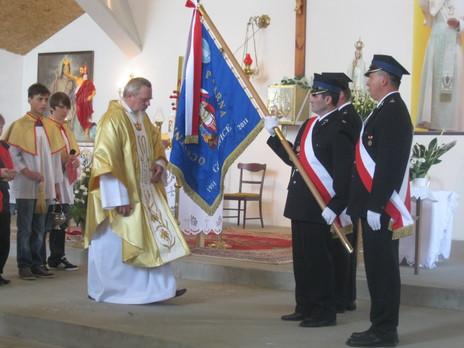 W roku Jubileuszu 60-lecia  w dniu 22 maja 2011 w Kościele Parafialnym w Golkowicach Kapelan OSP Golkowice o. Stanisław Łomnicki dokonał poświęcenia nowego sztandaru