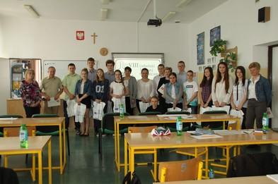 Zdjęcie wszystkich uczestników Turnieju w etapie okręgowym w Siennicy Nadolnej.