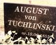 Cmentarz w Kozinie - niemiecki nagrobek z inskrypcją w języku polskim