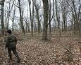 Ewangelicki cmentarz w Zwartowie pokazał nam jeden z mieszkańców Zwartówka