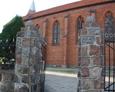Brama wejściowa na teren parafii pw. św. Miachała Archanioła w Lipuszu