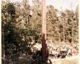 Cewice - drewniany krzyż ustawiony na miejscu nieistniejącej kaplicy