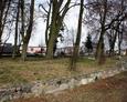 Ogólny widok na teren dawnego ewangelickiego cmentarza w Łebie przy dzisiejszej ul. Parkowej