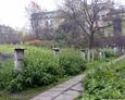 Widok na teren cmentarza od strony ul. Szerokiej