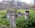 Wolnostojące macewy na cmentarzu Remuh