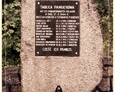Szymbark - pomnik poświęcony poległym Polakom z Szymbarku w roku 1944