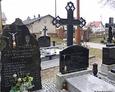 Nagrobki duchownych pochowanych na terenie cmentarza przykościelnego w Przodkowie