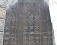 Tablica pamiątkowa zawierająca 91 nazwisk poległych