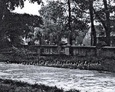 Nagrobki na przykościelnym cmentarzu   (zdjęcia pochodzą najprawdopodbniej z lat 80tych)