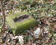 Kamienna podstawa pod krzyż żeliwny