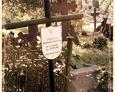 Damnica - cmentarz komunalny (jeden z krzyży wykonanych z metalowych rur)
