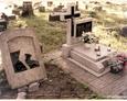 Damnica - cmentarz komunalny (widoczny nagrobek z betonowym krzyżem)